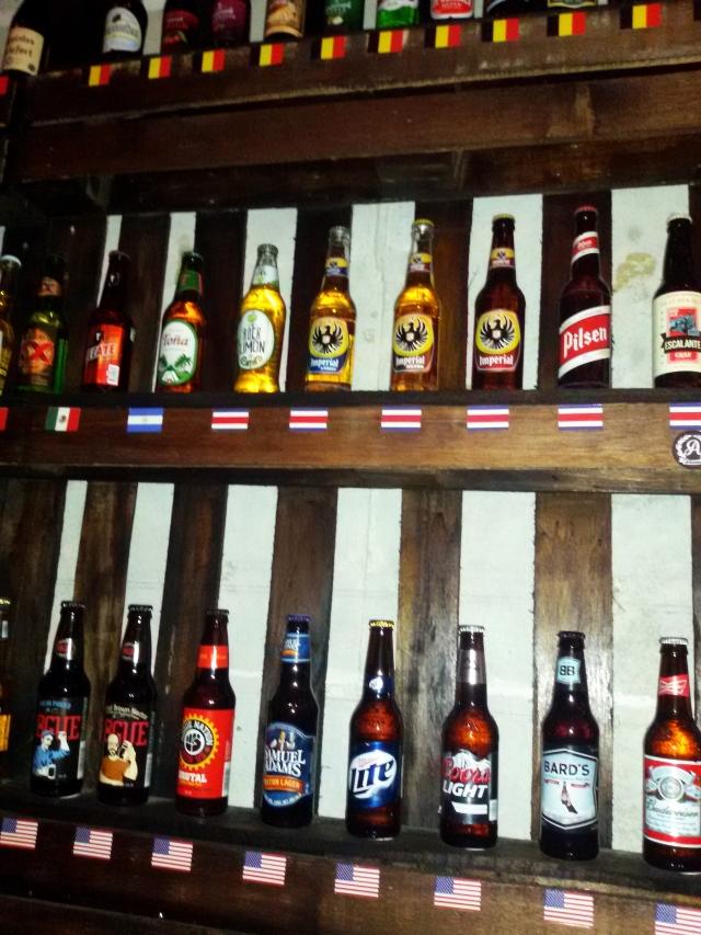 algunas de las cervezas que frecen en beer factory inc.